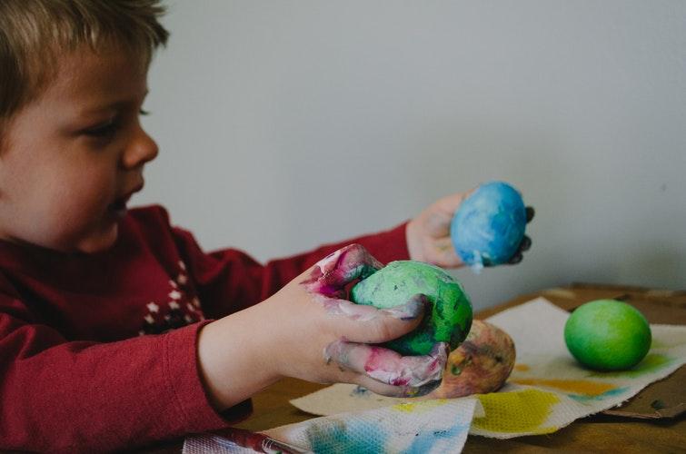 toddler crafting